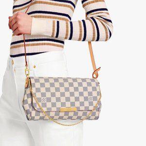 NWT/Louis Vuitton Shoulder Bag